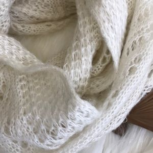 Forever 21 Infinity scarf creme lace soft acrylic